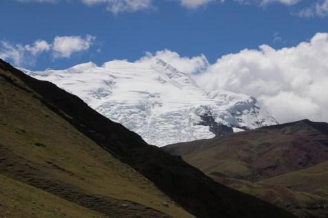 Ausangate's broad and glaciated peak