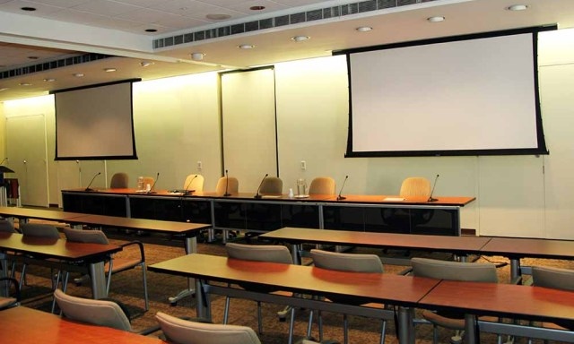 classroom projector screens