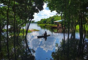 Patrick in the leaky canoe, Amazon tours