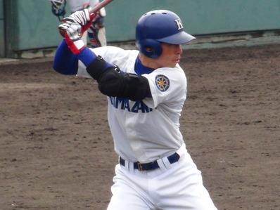 駒澤大学 江越外野手 SSKエルボーガード
