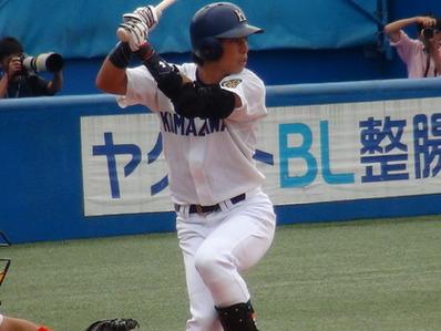 駒澤大学 江越外野手 SSKエルボーガード2