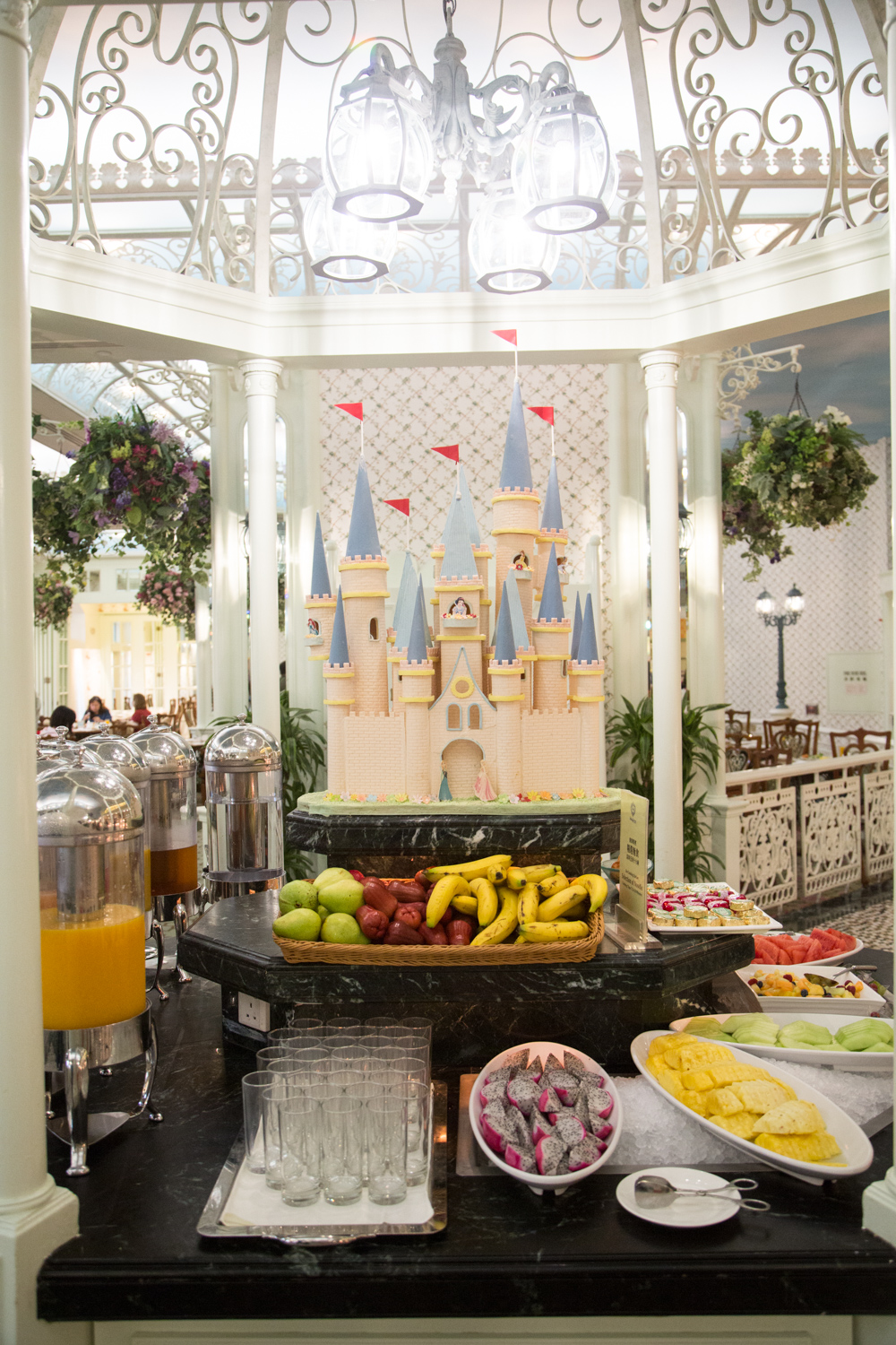 Book Disney Restaurants Orlando