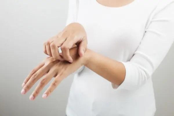 手荒れの改善法と乾燥を予防する方法!美容師オススメ