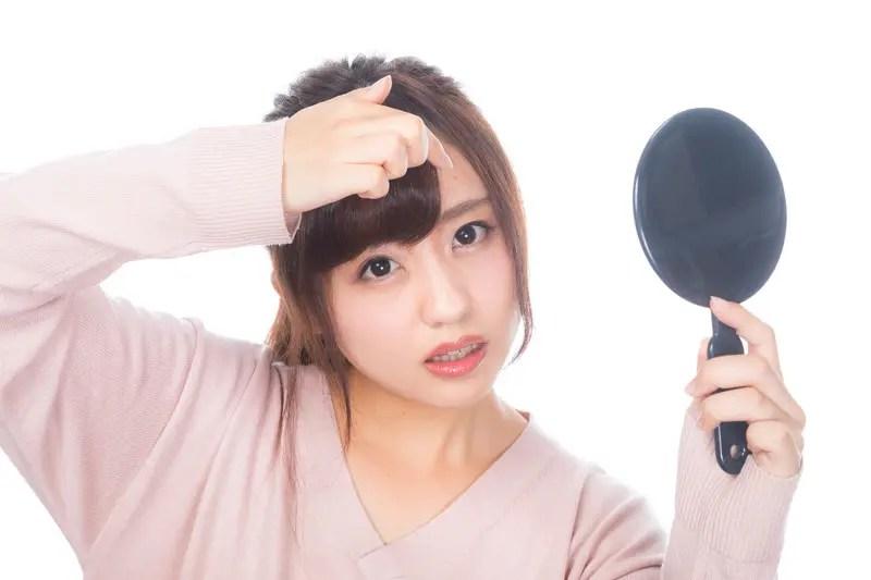 前髪のべたつき&抜け毛はシャンプーのせいかも?改善方法やおすすめのシャンプーを紹介