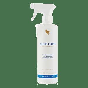 Prima e dopo l'esposizione solare tieni a portata di mano Forever First per tenere idratata la pelle.