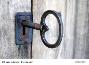 grosser alter Schlüssel