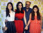 Boney-Kapoor-with-wife-Sridevi-and-daughters-Jhanvi-left-and-Khushi