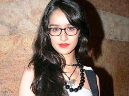 Shraddha-Kapoor-spectacles