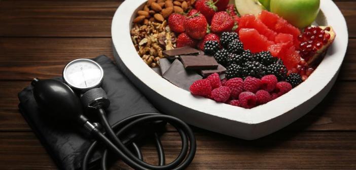 أطعمة تنظف الشرايين بشكل طبيعي وتقي من أمراض القلب