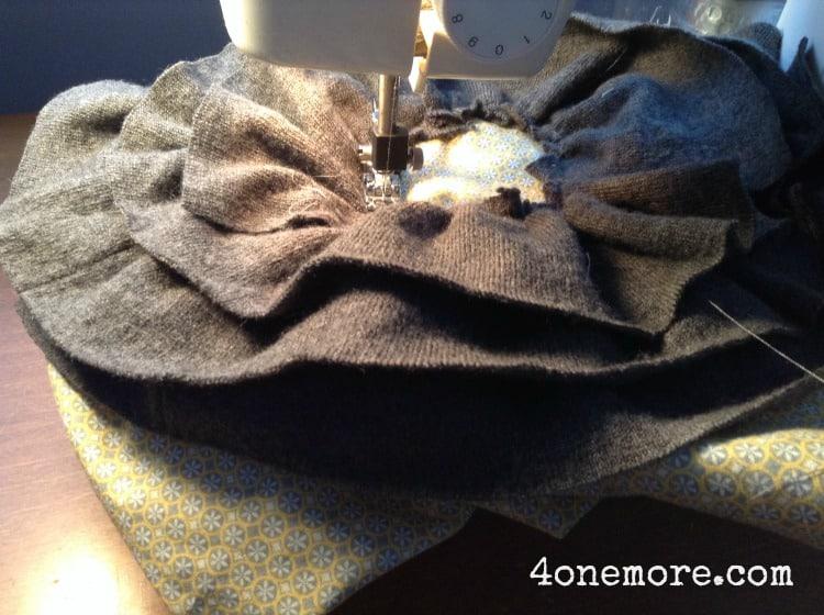 spring pillow DIY 4onemore.com