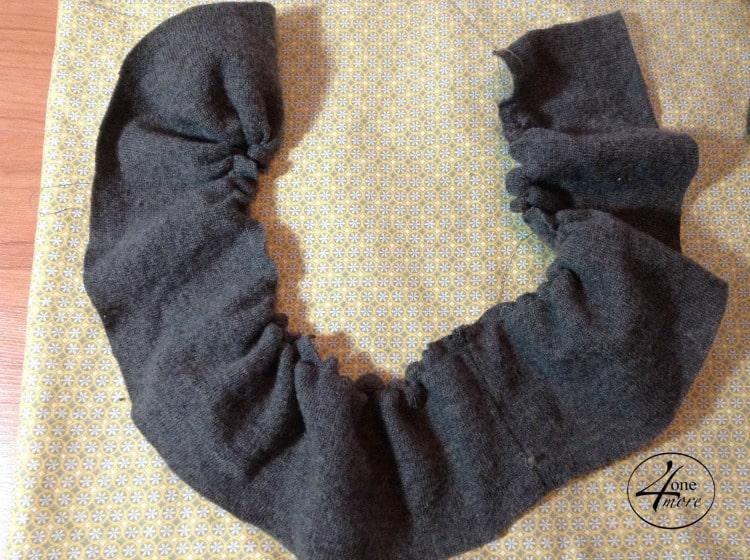spring pillow DIY @ 4onemore.com