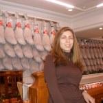 Eu com um monte de perna de porco atrás, conhecidos lá como Jamones, se pronuncia ramones, presunto