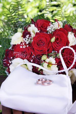 Brauttasche mit Rosen