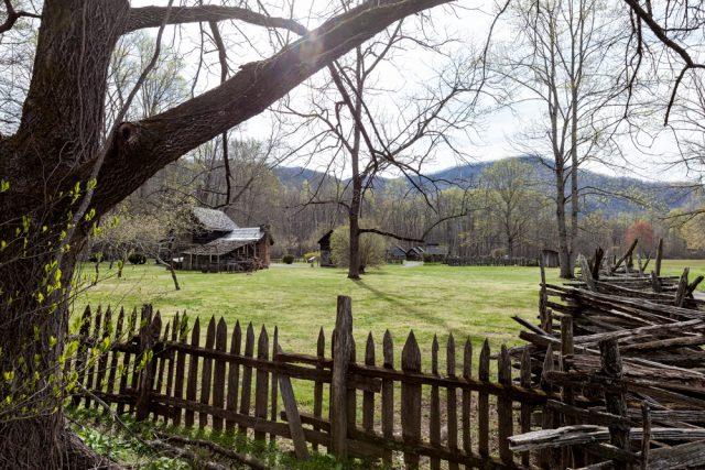 Oconoluftee - farm house