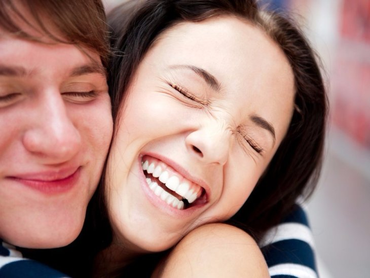 happy-laughing-friends-4