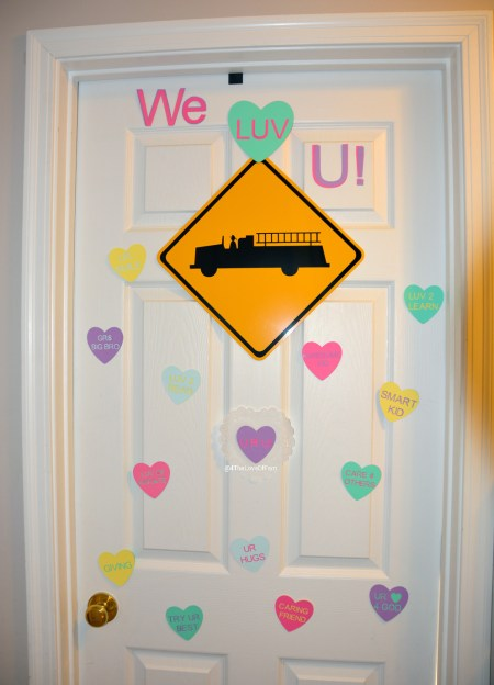 LOVE this idea! Tell your child something you love about them everyday until Valentine's Day! Valentine's Day Door Countdown7