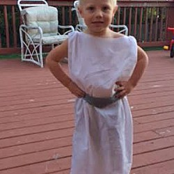 Simple, No Sew, Pillow Case Star Wars Princess Leia Costume For Toddlers