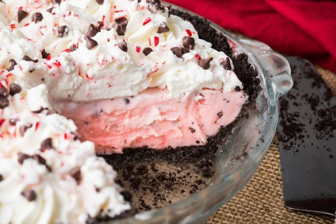 CFA's Peppermint Chocolate Chip Milkshake Pie + Video