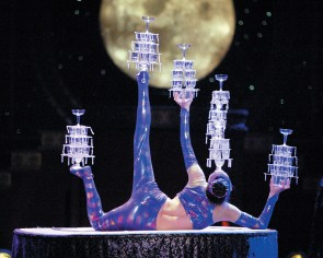 The Breathtaking Beauty & Artistry Of The Golden Dragon Acrobats In Cincinnati