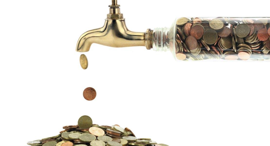 Medidas económicas apenas mantienen a flote al régimen