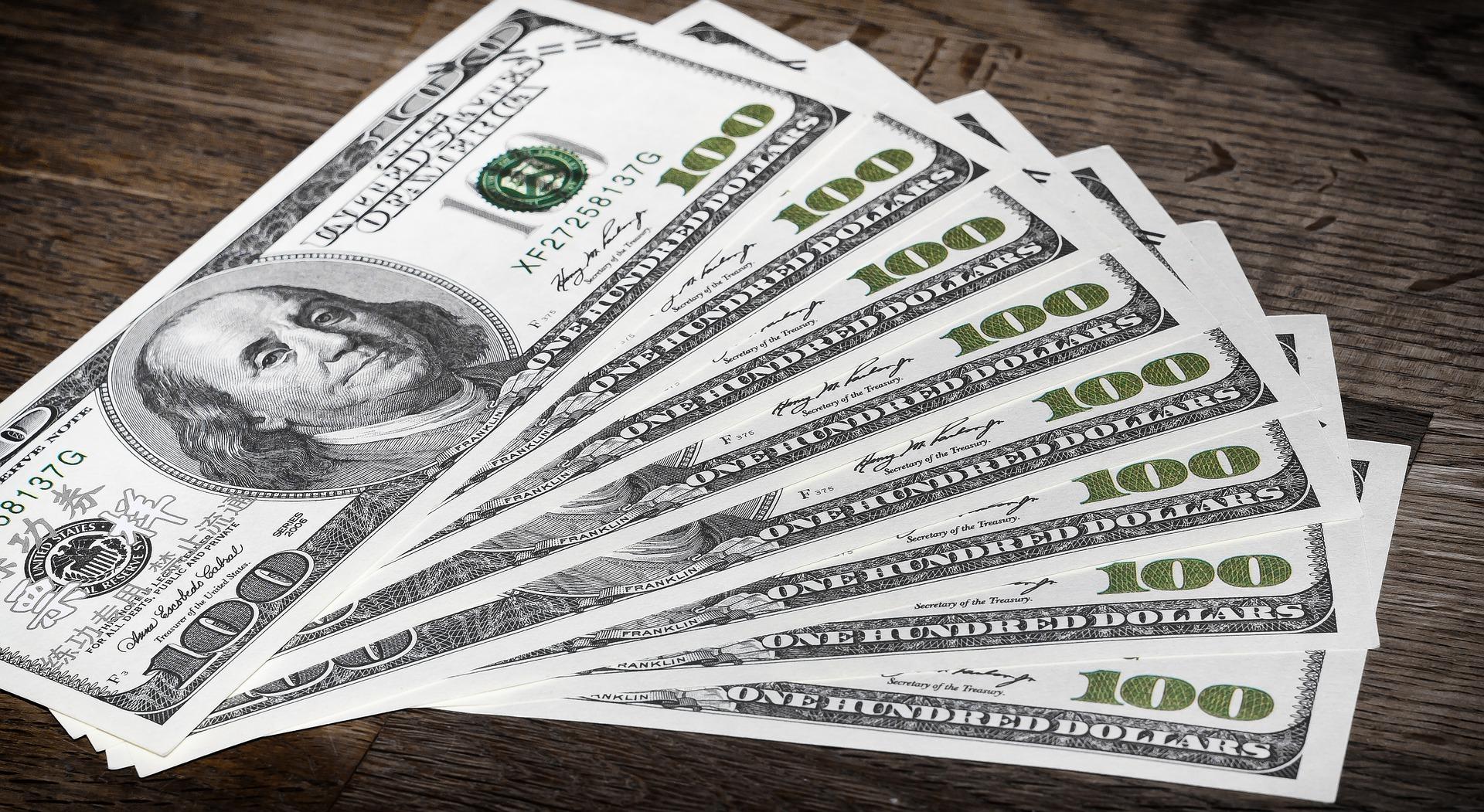 Deuda pública sigue creciendo pero aún es sostenible