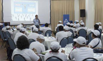 Mineros artesanales fortalecen sus capacidades con apoyo de la gran industria