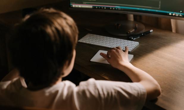 Sexting, grooming, sextorsión y ciberbullying. ¿A qué se exponen los menores de edad en internet?