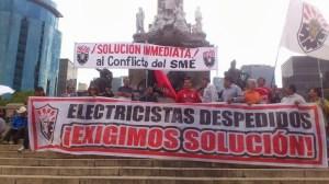 SME marcha en apoyo a la CNTE