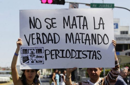 PERIODISTAS MARCHA PROTESTA