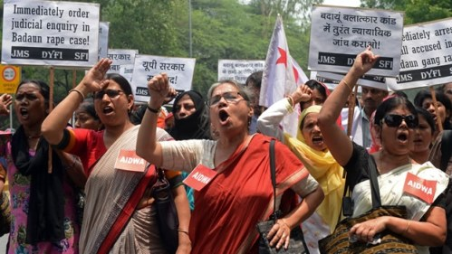 INDIA MUJERES PROTESTAN