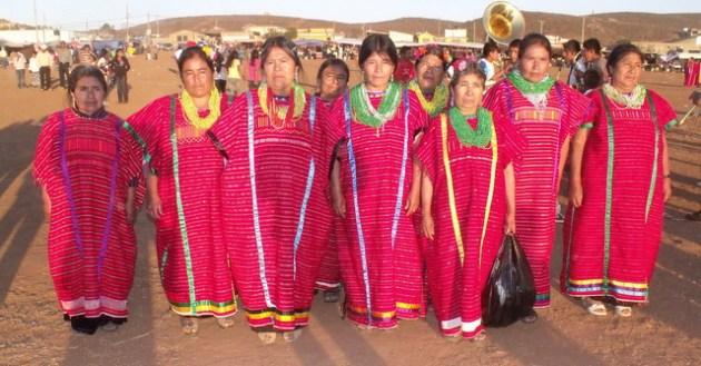 Mujeres triqui de la colonia San Juan Copala, en la delegación Vicente Guerrero del municipio de Ensenada (Foto: internet).