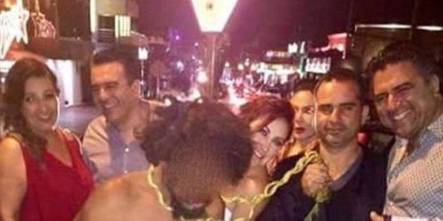 Lugo y Cruz, los dos hombres a la derecha de la fotografía que Plex publicó en días pasados, son el objeto de investigación del CONAPRED.