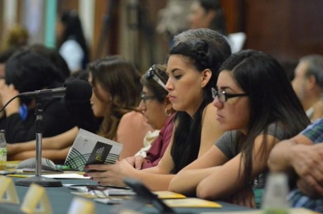 Alumnos de la universidad en la presentación del plan de desarrollo (Foto: Cortesía UABC).