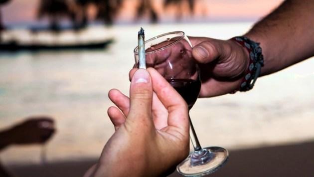 MOTA Y ALCOHOL