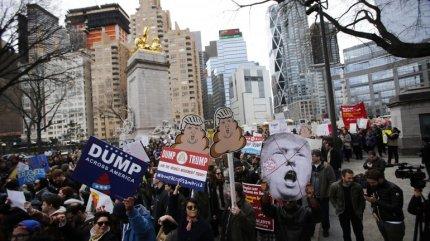 PROTESTA ANTI TRUMP NY