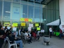 Asambleas de Ensenada se levanta a las afueras del Palacio Municipal