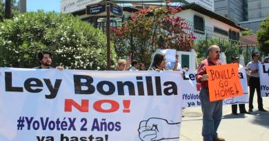 PRD arremete contra AMLO y Morena, al presentar denuncia penal contra diputados reformistas