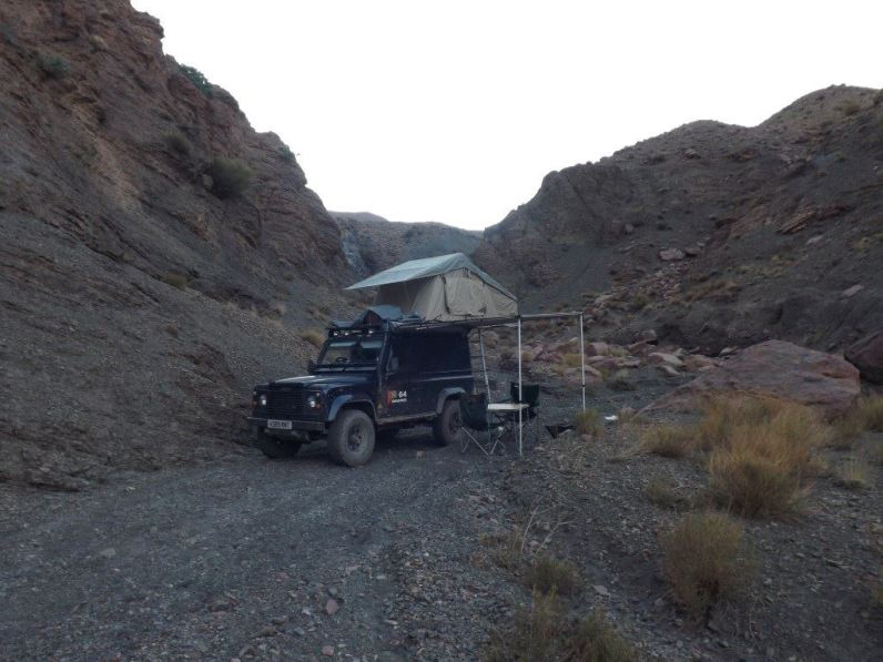 0100324_3-man-expedition-roof-tent-with-annex-for-4x4s-vans-motorhomes