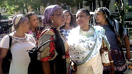 Femmes comoriennes à la manifestation du 15 septembre 2011 à Marseille contre les propos de Claude Guéant.