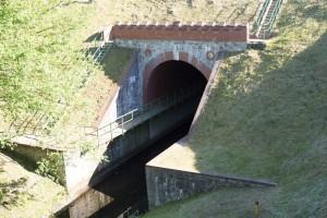 Akwedukt w Fojutowie. Jedna z niewielu na dodatek najdłuższa tego typu budowla hydrotechniczna w Polsce.