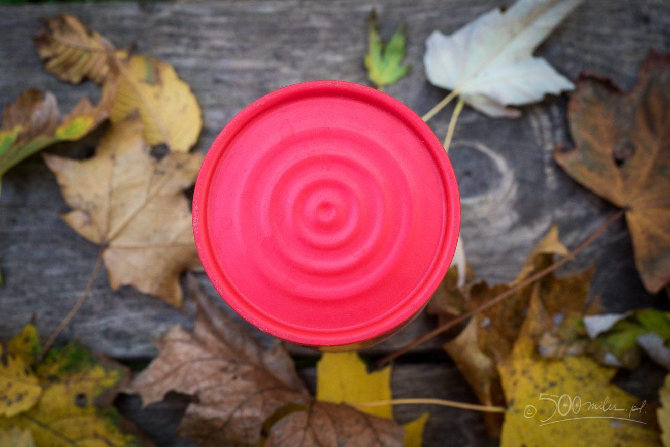 Cafflano Klassic - widok od góry. Nawet ten element jest zdejmowany i można nim przykryć dripper w trakcie zaparzania kawy.