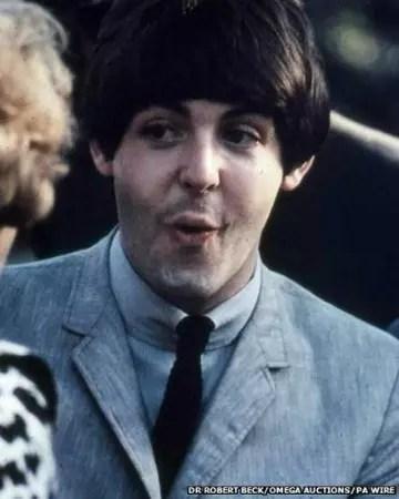 Paul McCartney, com 22 anos, o mais jovem de todos