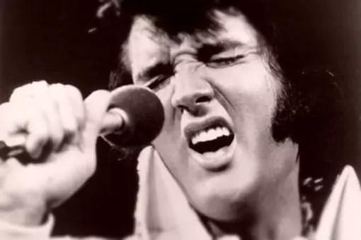 Elvis morreu aos 42 anos, em agosto de 1977