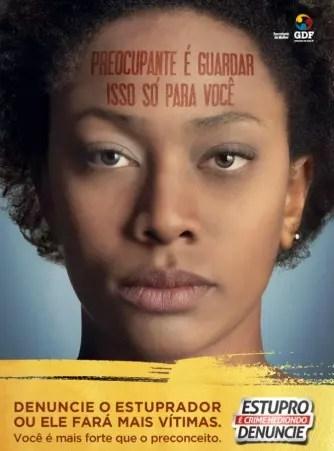 Cartaz de uma campanha  feita em Brasília para que as mulheres denunciem agressores