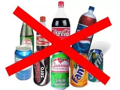 Refrigerante não traz qualquer benefício para a saúde. Ao contrário