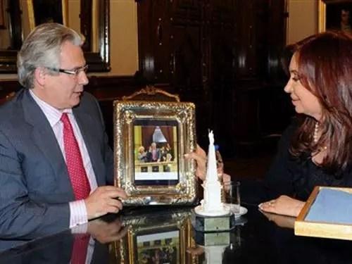 A presidente argentina com o juiz espanhol, Baltasar Garzón