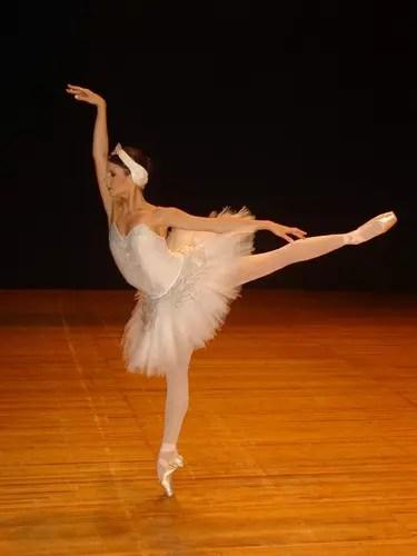 Ela é baiana e faz sucesso na companhia russa de balé