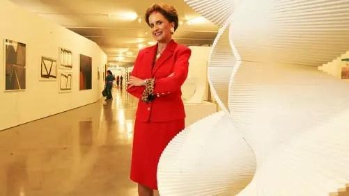 """Milú Egydio Villela, 70 anos, faz parte de uma das mais tradicionais famílias de banqueiros do Brasil e acumula os cargos de vice-presidente do conselho do Itaú e de presidente do Itáu Cultural e do Museu de Arte Moderna de São Paulo. A fortuna de Milú, estimada em mais de 2 bilhões de dólares, fez com que ela figurasse na lista de bilionários da Forbes até o ano passado. Mesmo fora do ranking, para a publicação, Milú """"continua muito poderosa""""."""