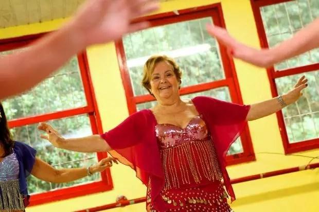 Beatriz Nogueira da Cunha, de 72 anos, preenche o dia com muitas atividades
