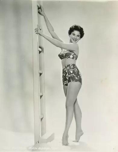 O bikini foi criado nos anos 40, na França